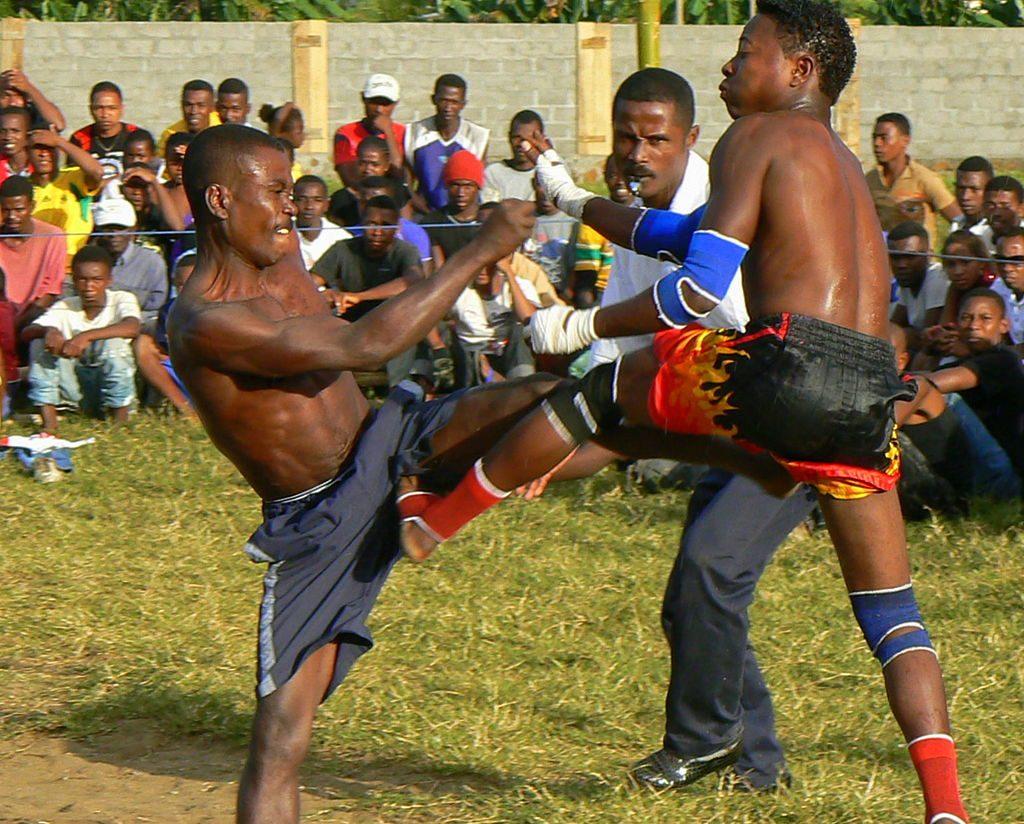 Moraingy_fighting_Madagascar_sport (1)