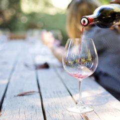 Grand cru, millésimé, non millésimé : quel type de vin choisir