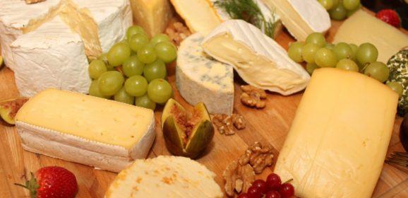 Les étapes de la fabrication traditionnelle du fromage