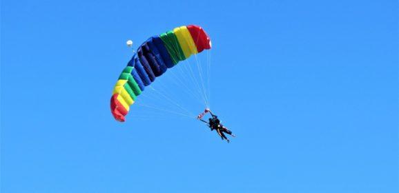Vivez de nouvelles sensations en sautant en parachute